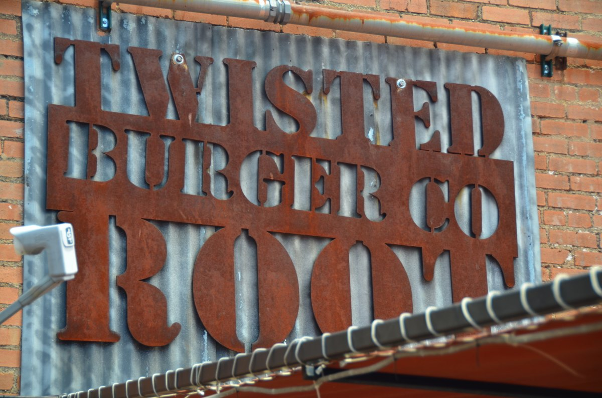 Root Burger: Gotta get me a burger in Dallas