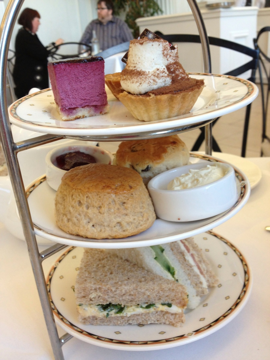 Afternoon Tea: Can't Americans Adopt this??????